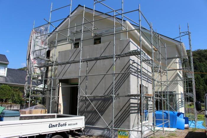 富士宮市星山W様邸 外壁に色が入りました